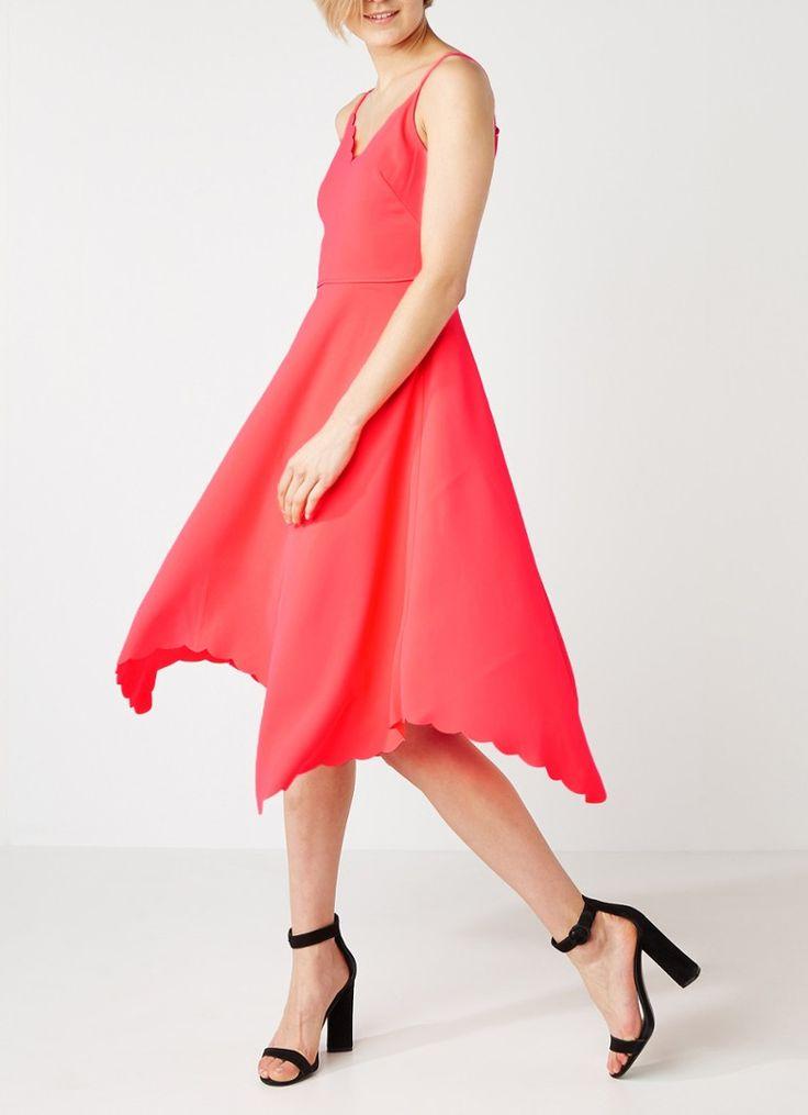 Op zoek naar Ted Baker Simbah A-lijn jurk met geschulpte afwerking ? Ma t/m za voor 22.00 uur besteld, morgen in huis door PostNL.Gratis retourneren.