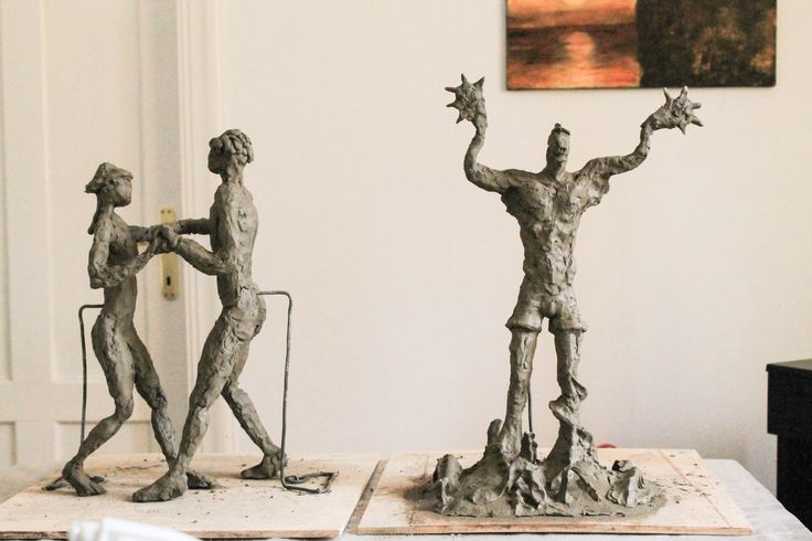 Aprofundeaza tainele sculpturii. Curs de baza in figura umana - coordonat de sculptorita Bianca Mann.-  Atelierului de modelaj in lut.  Pentru detalii: 0736 913 866 office@mara-study.ro www.mara-study.ro