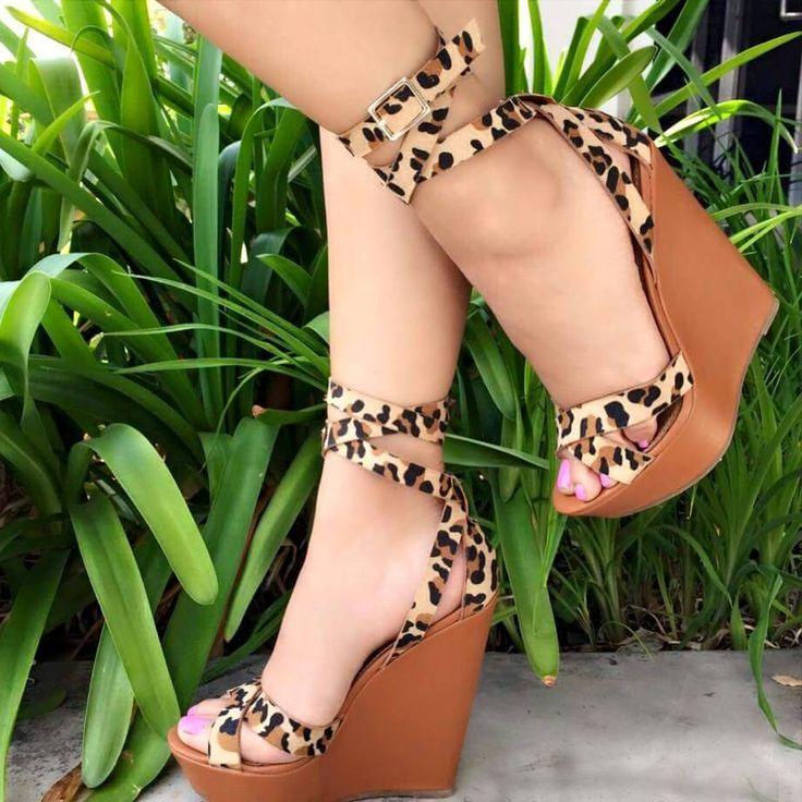 Fashionable Leopard Buckle Platform Wedge Sandals