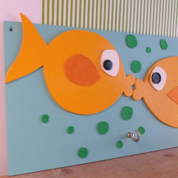 Houten kapstok met vissen voor kids van MyraaaB op Etsy, €60.00