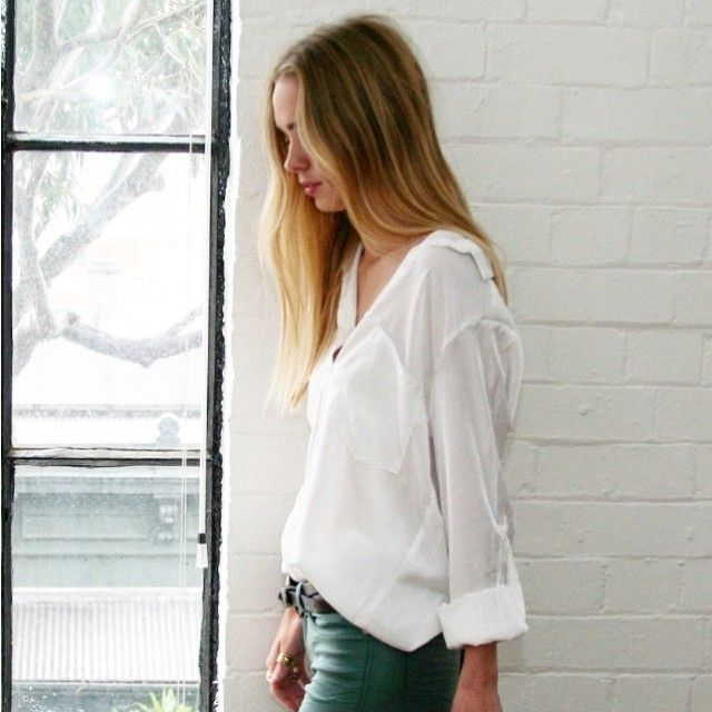 White shirt perfection courtesy of @carouselbondi - check out their range on our app. #minimalist #essential #love