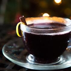 Honey Mulled Wine (via www.foodily.com/r/iHBV9PwGC)