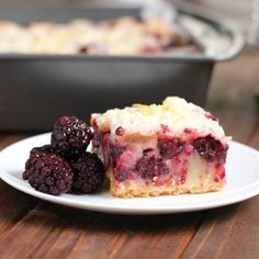 Delicious Blackberry Pie Bars using a buttery shortbread crust,a creamy custard-y filling, topped with more shortbread as a crumble over the top. Oh my can it get any better!! SO yummy!! RECIPE HER…