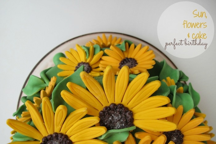 Sunflower birthday cake   sun, flowers, cake = perfect birthday   Sonnenblumen Geburtstagskuchen by kleinstyle