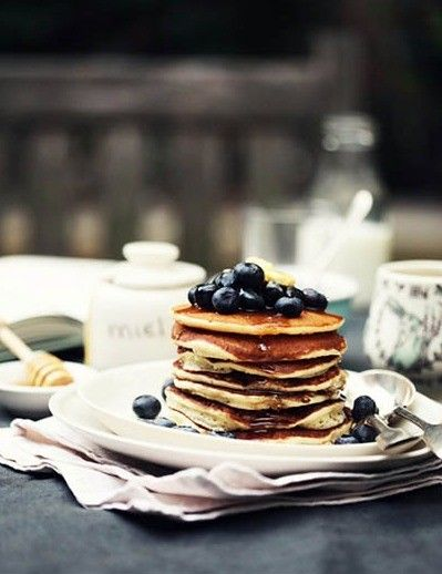 my favorite breakfast!: Food Recipes, Sunday Mornings, Breakfast Healthy, Yummy Food, Healthy Breakfast, Buttermilk Pancakes, Cakes Recipes, Blueberries Pancakes, Maple Syrup