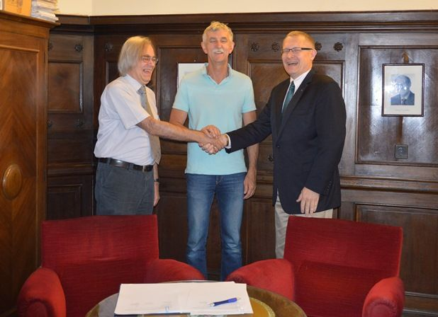 The Alfred Renyi Institute of Mathematics (Hungarian Academy of Sciences) and the Fulbright Commission in Hungary agreed to establish joint grants to support both students and scholars as early as the 2016-17 academic year. In the past, quite a few US mathematics graduate students have done research and audited courses at the Budapest Semesters in Mathematics, a third party to this agreement. US students and faculty researchers will be jointly supported by Renyi and Fulbright to spend their…