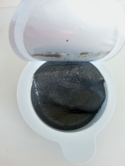 """H&M face mask """"charcoal and pumice"""""""