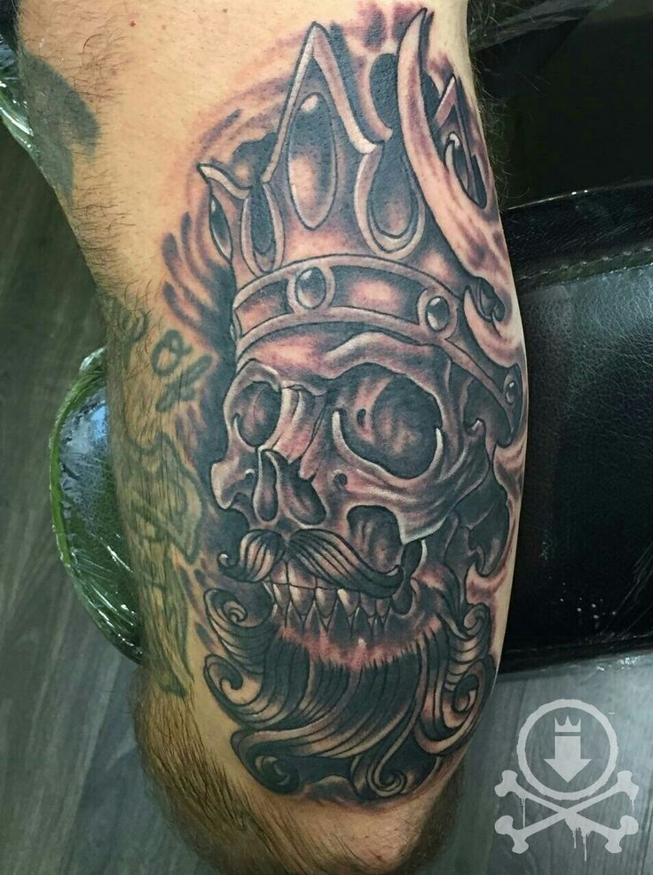 Black and grey skeleton king tattoo by chris curtis for Skeleton king tattoo