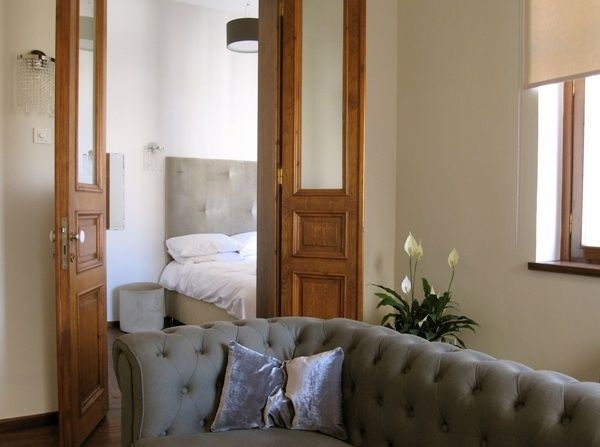 Aslan Place apartment, Istanbul • spacious and sunny, right next to Galata Tower • sleeps 6 plus children