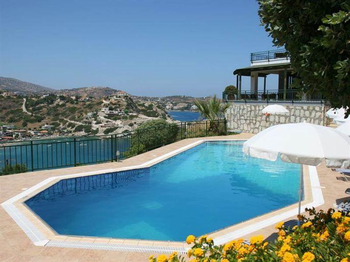 Zonvakantie bij Erivolos op Kreta met Eliza was here