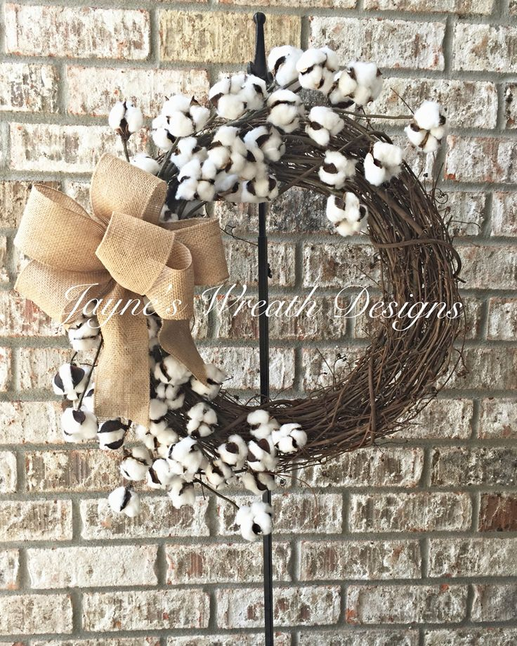 Cotton Boll Grapevine Wreath with Burlap Bow. Great indoor or outdoor wreath. Jayne's Wreath Designs