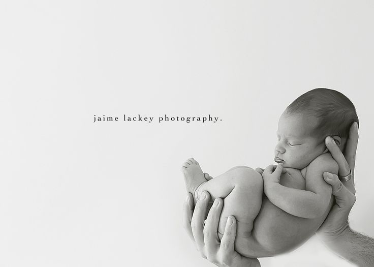Another take on Dads hands with brand new baby. And I like the negative space. Also, the last person to pin this pointed out that the white space would be great for birth announcement. Yes, it would.
