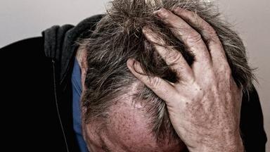 Prevence alzheimera? Odložte křížovky, trik je úplně jinde. Odborník nám řekl víc