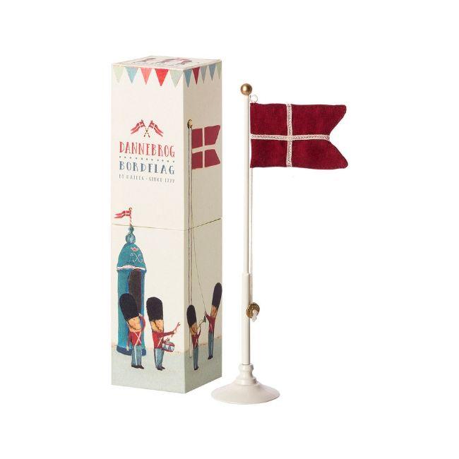 Maileg Flagstang Bordflag Til Fodselsdagen Skovalfen Dk Med Billeder Gaveaeske Fodselsdag