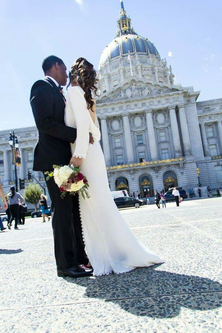 San Francisco City Hall Wedding #Wedding #Photography #SanFrancisco #CityHall #CA #Elegant #WeddingDressIdeas #LongsleeveWeddingDress #Timeless