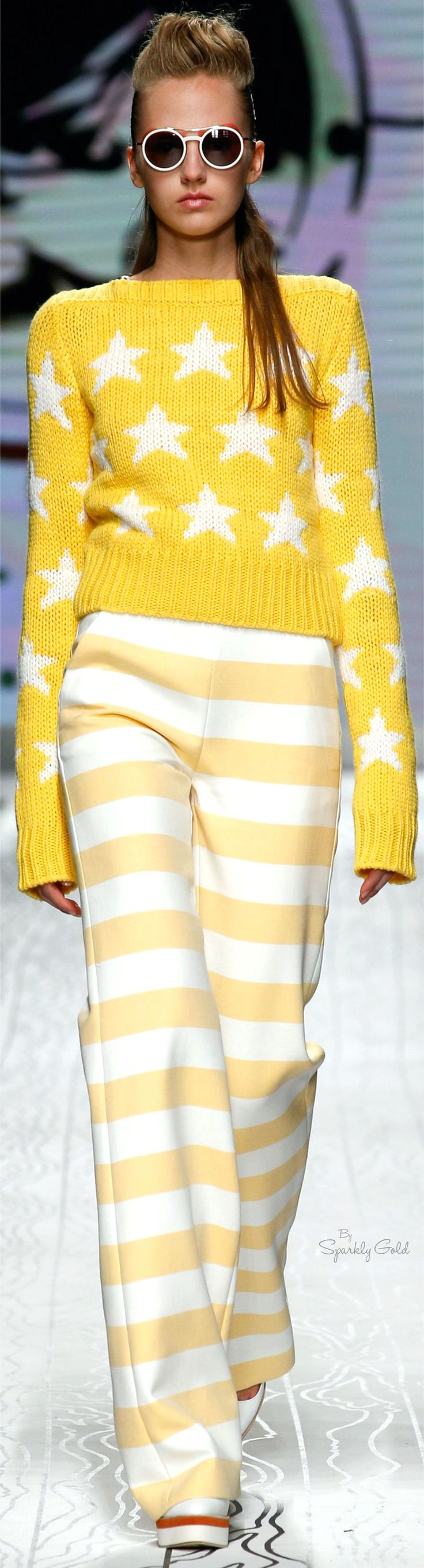 Max Mara Spring 2016 RTW yellow sweater. women fashion outfit clothing stylish apparel @roressclothes closet ideas