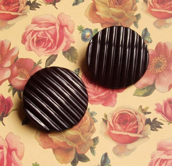 Store Sorte Vintage Øreklips!