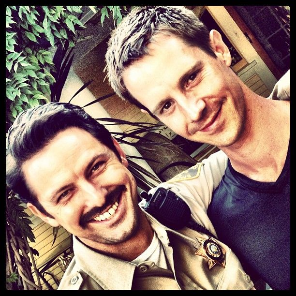 Deputy Sacks (@FanBoyBrandon) & Logan Echolls on the set of @TheVeronicaMarsMovie.