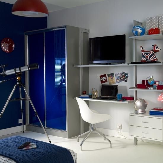 Teenage Boy S Bedroom With Map Mural: 17 Best Ideas About Teenage Boy Bedrooms On Pinterest