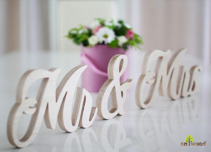 Best 25+ Mr Mrs Sign Ideas On Pinterest