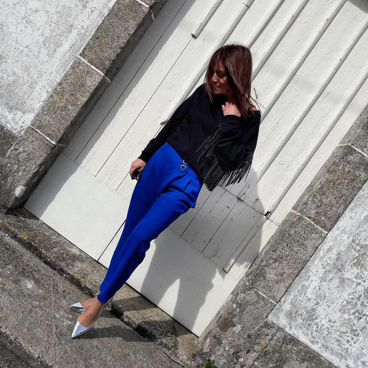 Pantalón azul cobalto