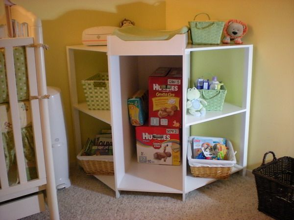 Corner Changing Table - DIY woodworking - and another website with similar plans http://www.woodworking.com/forum/showthread.php?32762-Heirloom-Crib-and-Corner-Changing-Table