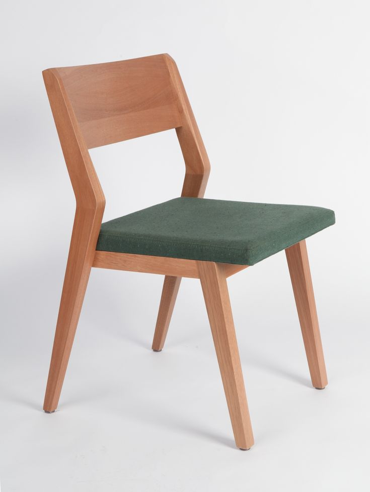 Straight and robust, yet fluid, lines and shapes define this design. Its simple and elegant curves allows the chair to fit in any dinner table in any environment, from your house to a nice restaurant.48x77x55cmJequitibá Wood