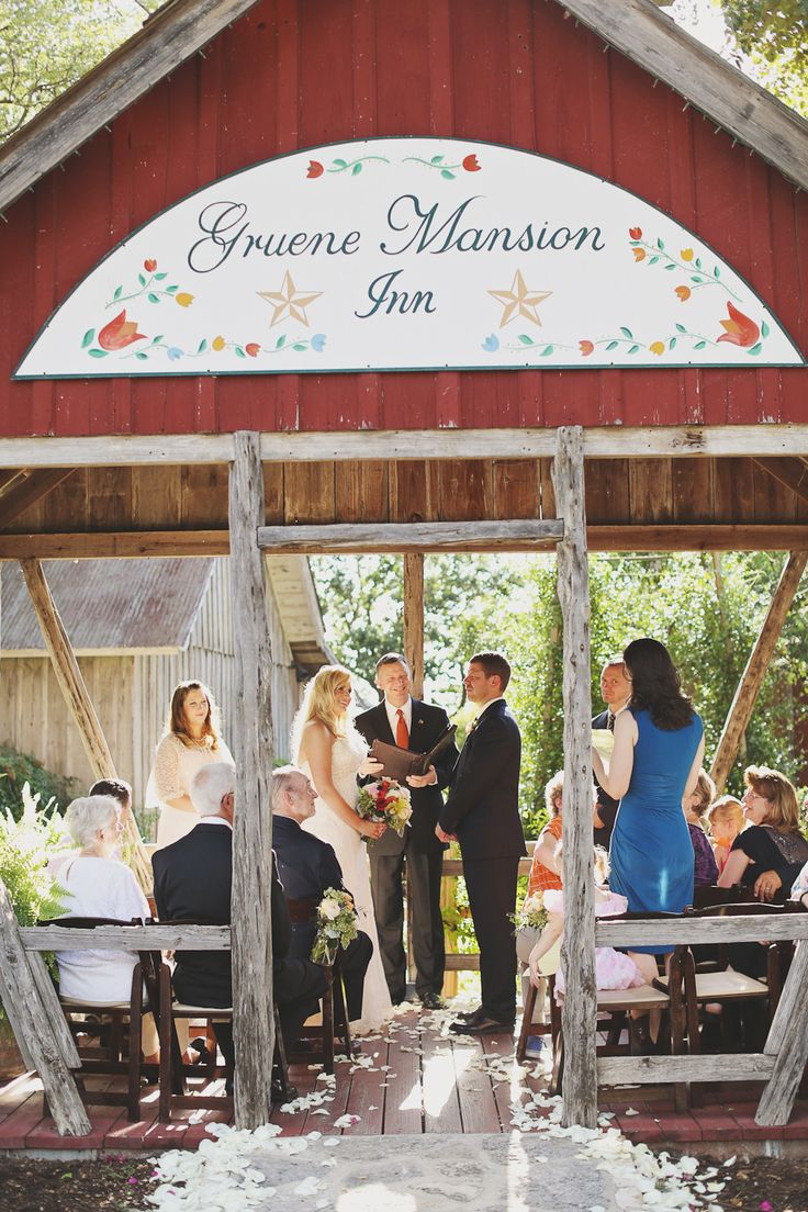 Aal fresco texas wedding at the gruene mansion inn | numa pousada