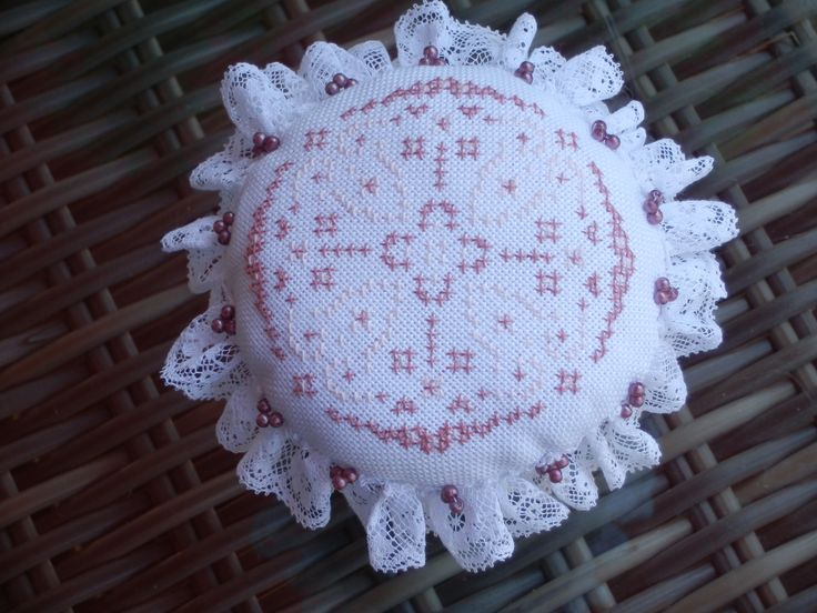 This pin cushion I made to celebrate my 1000th log on Blogger.