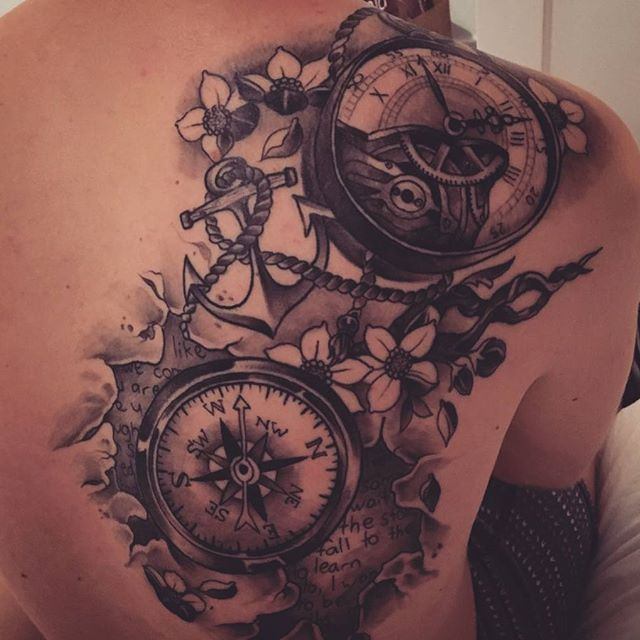 【valentijn.vd.grint】さんのInstagramをピンしています。 《#result #tattoo #drawing #pocket #watch #compass #cherryblossoms #anchor》