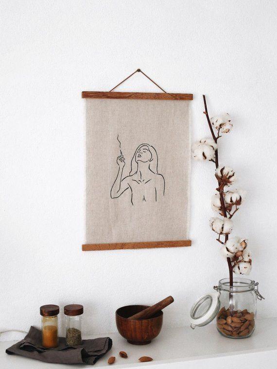 Leinen Plakat Mit Einem Original Artworks Zeichnung Eines Madchens Rauchen Holz Kunst Wandbehang Minimalist Wall Decor Hang Canvas Art Hanging Canvas