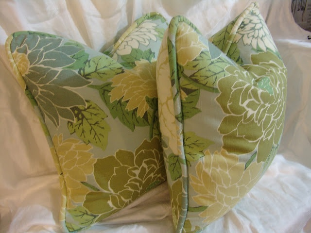 Kathleen Murphy Designs: Tutorial on making pillows with piping and a zipper & 20 best Pillows with piping images on Pinterest | Sewing crafts ... pillowsntoast.com