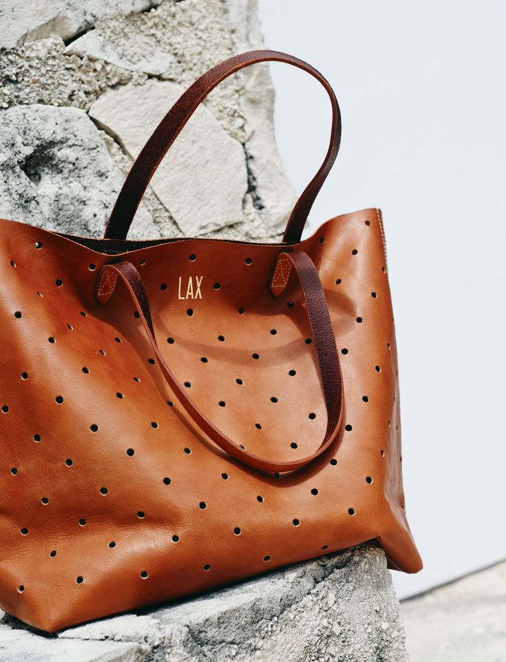 madewell monogrammed transport tote. #totewell
