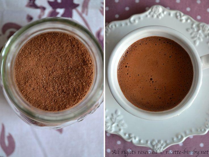 Un'idea per un regalo goloso? Leggi la ricetta bimby per fare il preparato per cioccolata calda a casa, è semplice e veloce.