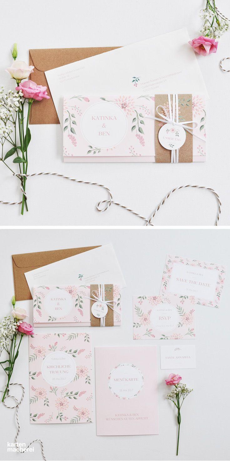 """Die Papeterie Serie """"Rosehip"""" hat viele Details zum Verlieben. Von der Hochzeitseinladung mit Satinband und Anhänger, über Menükarten und Antwortkarten: Das florale Muster spielt in vielen Variationen."""