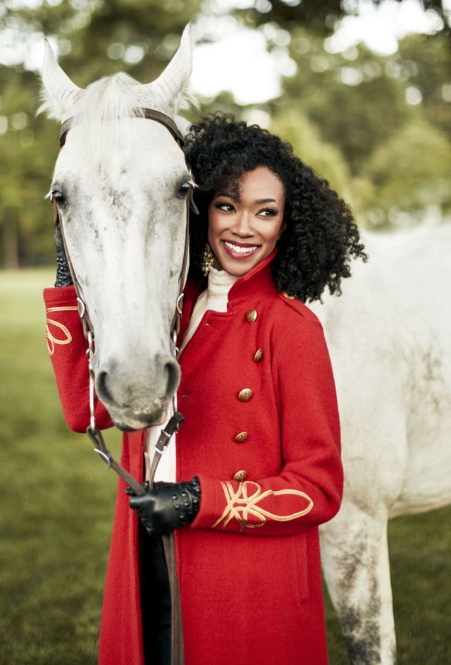 Sonequa+Martin-Green+Shows+Off+Her+Simple+Yet+Sophisticated+Style - GoodHousekeeping.com