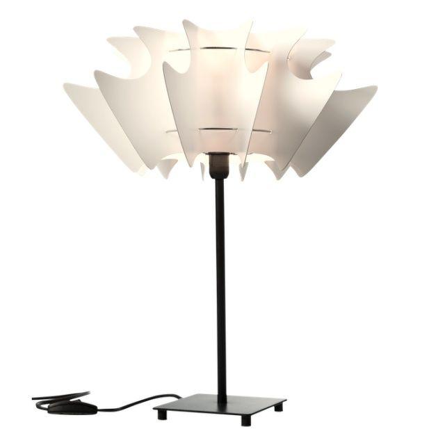 BONA PICCOLO Bedside Lamp - Norla Design  The classic shape with a modern twist. Bedside/table lamp BONA PICCOLO