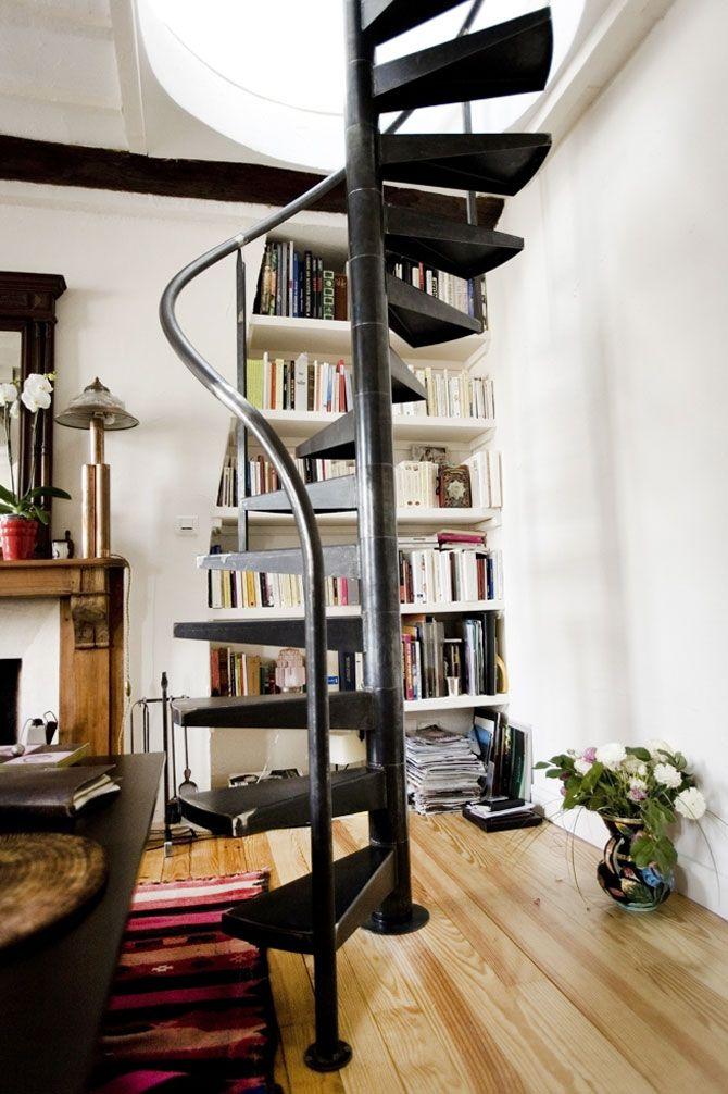 Colimaçon ou colimasson – sauf si un spécialiste de l'orthographe me dément, les deux orthographes sont permises pour cette appellation de nos escaliers hélicoïdaux ! On parle souvent d'un «petit… plus»