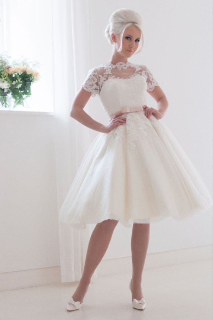 41 best Brautkleider images on Pinterest | Haute couture dresses ...