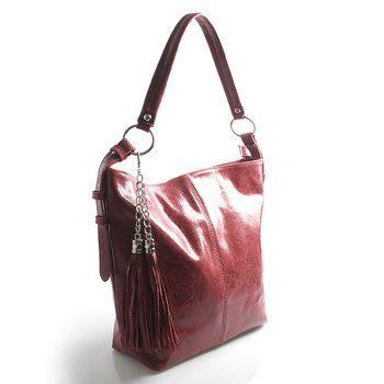 #kabelka #ItalY  Měkká kůže ve tvaru vaku se lehce přizpůsobí vašemu nošení. Kabelka pojme všechny každodenní potřebné věci. Má nastavitelné ucho a lze ji nosit i crossbody. Hodí se ke všem typům oblečení. Zapíná zipem přes celou délku, uvnitř je jedna postranní kapsička na zip a dvě bez zipu.