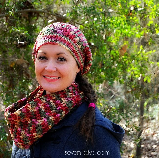 Learn the Raspberry stitch with the free pattern for this hat and cowl.  Step-by-step photo tutorial AND a video tutorial, easy to learn!