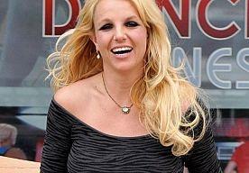 28-Mar-2013 10:39 - BRITNEY SPEARS LAAT NIEUWE LIEFDE CONTRACT TEKENEN. Britney Spears heeft haar verloving met haar ex nog maar net verbroken en nu al heeft de zangeres een nieuwe lover, David Lucado.