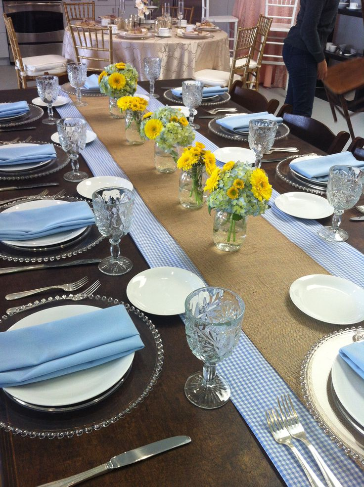 Yellow and Baby Blue UCLA Vintage Table Decor | Party