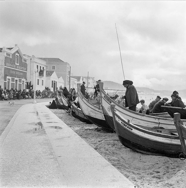 Embarcações de pesca na Nazaré, Portugal