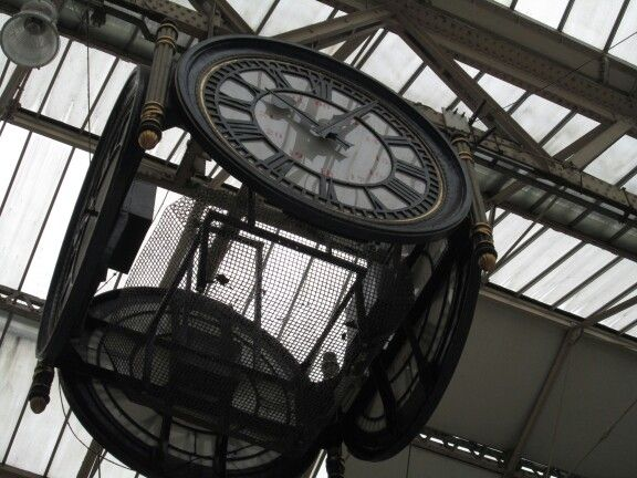 london waterloo station - classic meeting place under the clock
