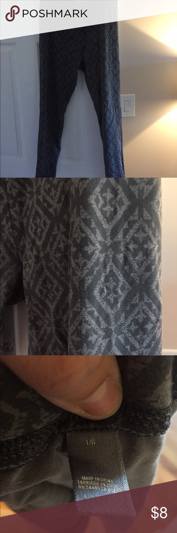 Large tribal print leggings Aerie by American eagle large gray tribal leggings. Only worn a few times in great condition.   I do not model  Bundle to save aerie Pants Leggings