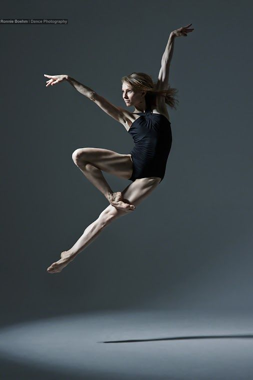 Natalie Kusch, photographed by Ronnie Boehm #dance