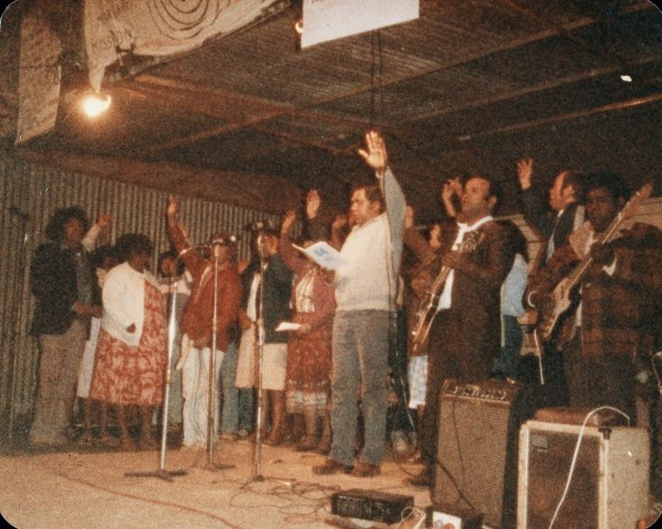 BA1340/ERA6/14D: Noongar choir at the Warburton Range Crusade, part of the Mt Margaret Convention, 1982 (Click to Start Zoom)
