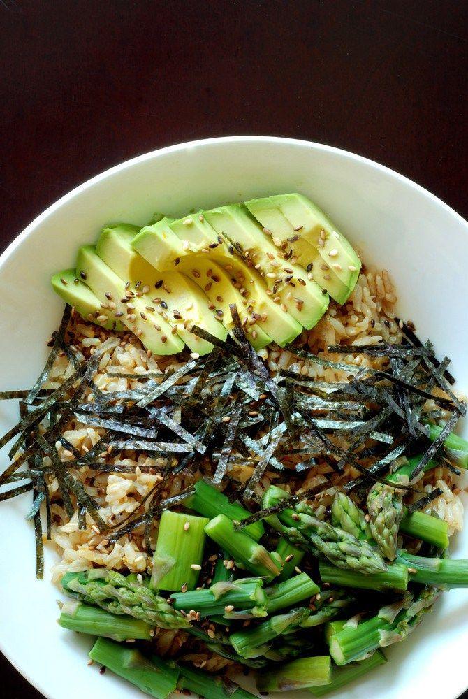 Sushi Bowl with Asparagus and Avocado...sub smoky tofu for asparagus?