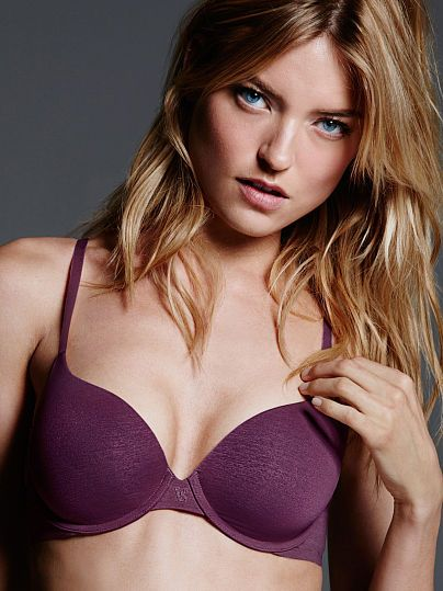 Worn by : Angel Martha Hunt Type : The TShirt Perfect Shape Bra  Color : Berry Stain Marl